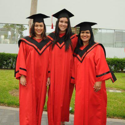Eliana Espinoza, Estefania Villar y Amelia Seguin.