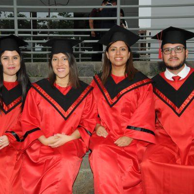 Karol Chue, Ana Hinostroza, Katerine Jaimes e Ismael Burga.