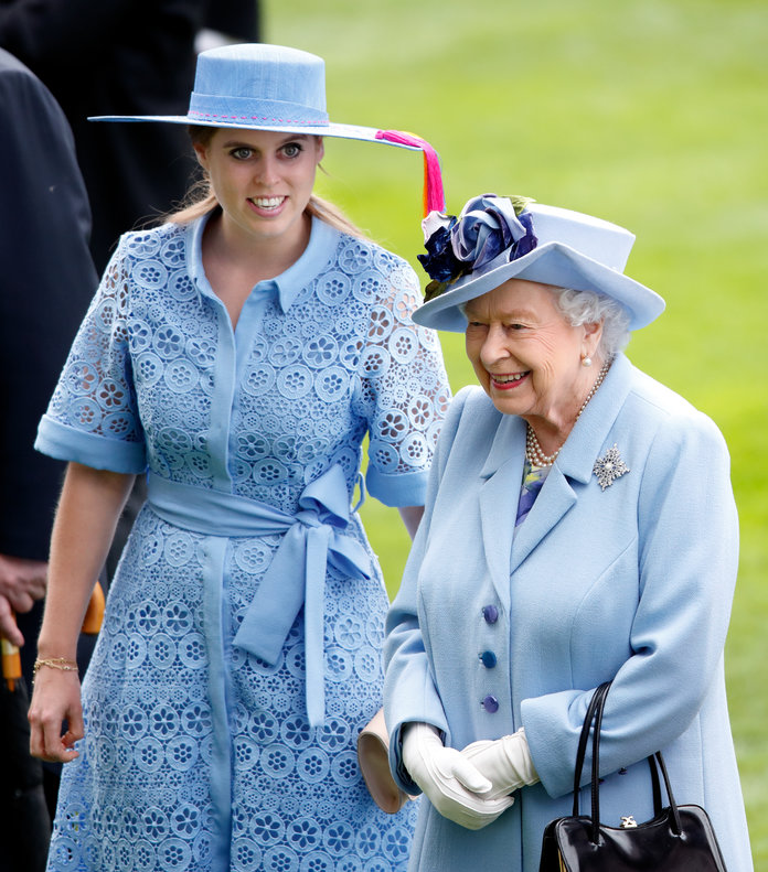 Beatrice de York y la reina Elizabeth