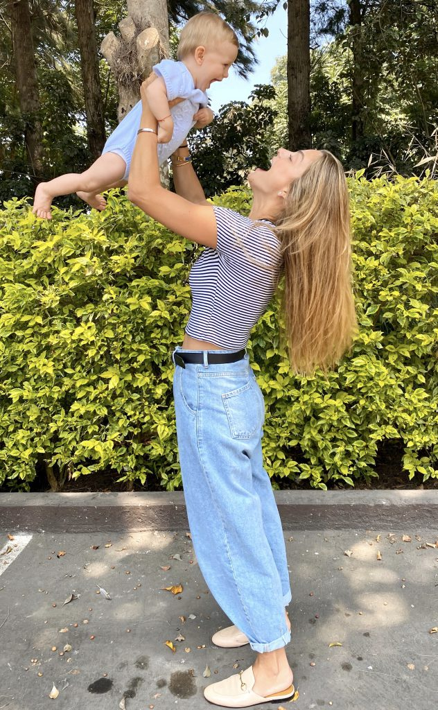Madres pareja tener un hijo Christine