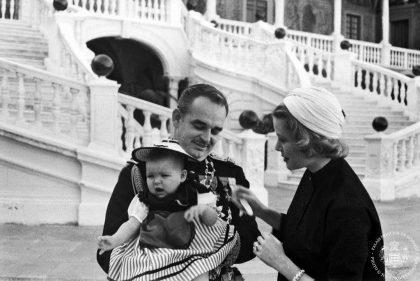 Pauline Ducruet con sus abuelos el príncipe Rainiero de Mónaco y la princesa Grace Kelly.