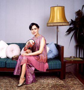 Reina Sirikit en el Palacio de Daksin, Narathiwat, Tailandia.
