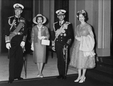Los Reyes de Inglaterra y de Tailandia, 1960.