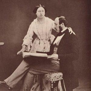 Fotografía de la reina Victoria y el príncipe Alberto tomada por Roger Fenton el 20 de junio de 1854