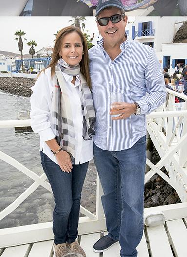Rosario Espejo y Rafael Escardó donde Marisa Guiulfo