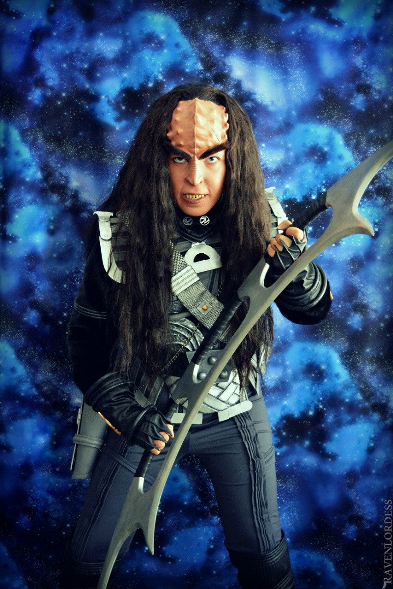 Klingon and a bat'leth