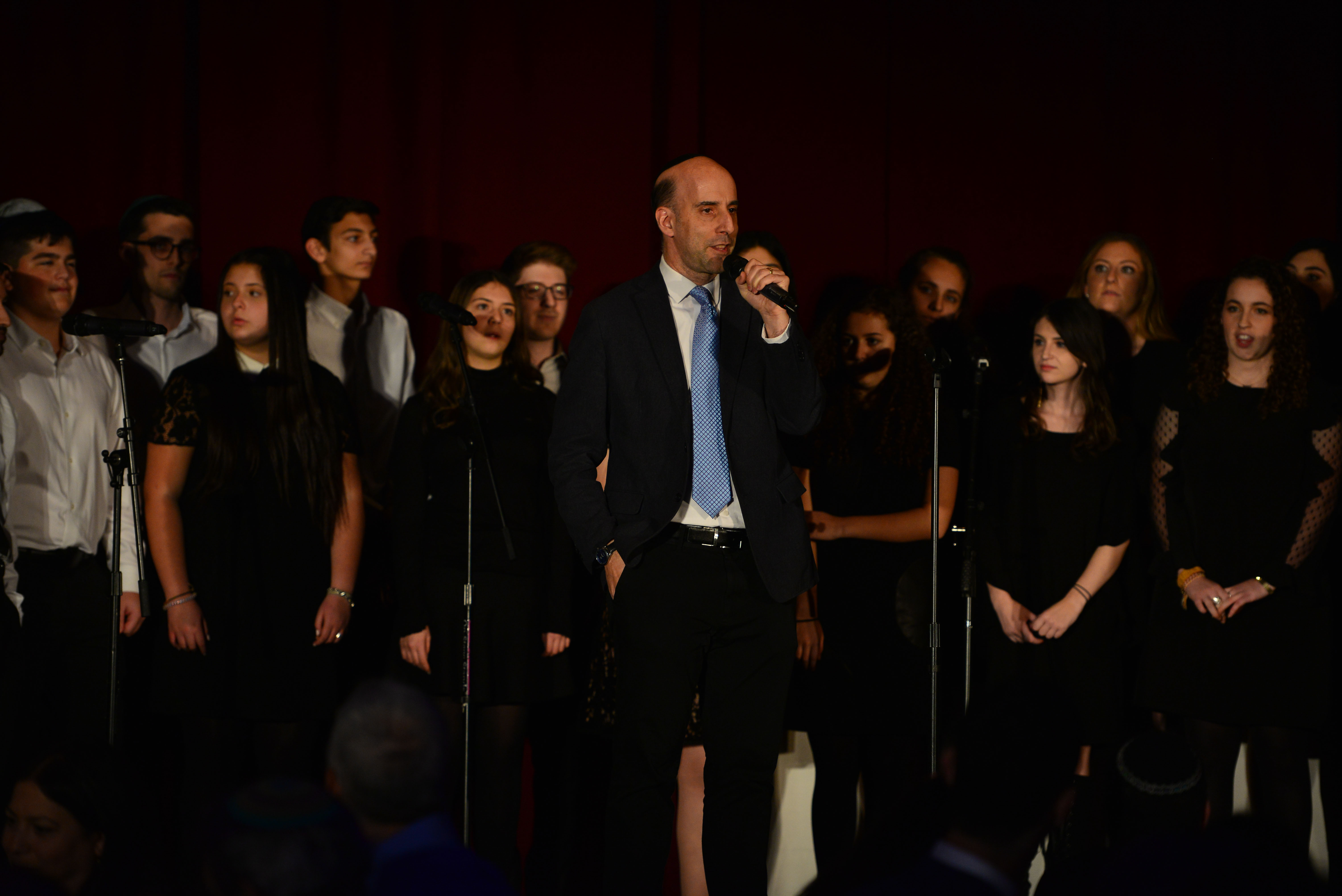2016 Covenant Award Recipient Daniel Henkin with Tizmoret: Queens College's Jewish A Capella Group, and the Ramaz Choir.