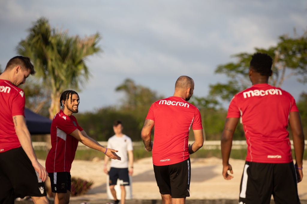 Peña chats to teammate Steven Hoyle during training session in Dominican Republic. (Nora Stankovic/CPL)