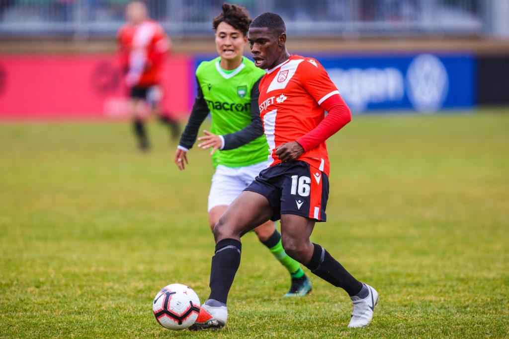 Cavalry FC midfielder Elijah Adekugbe. (Sergei Belski-USA TODAY Sports for CPL).
