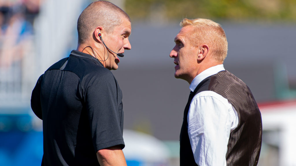 Valour FC Rob Gale speaks with an official. (Trevor MacMillan/CPL).