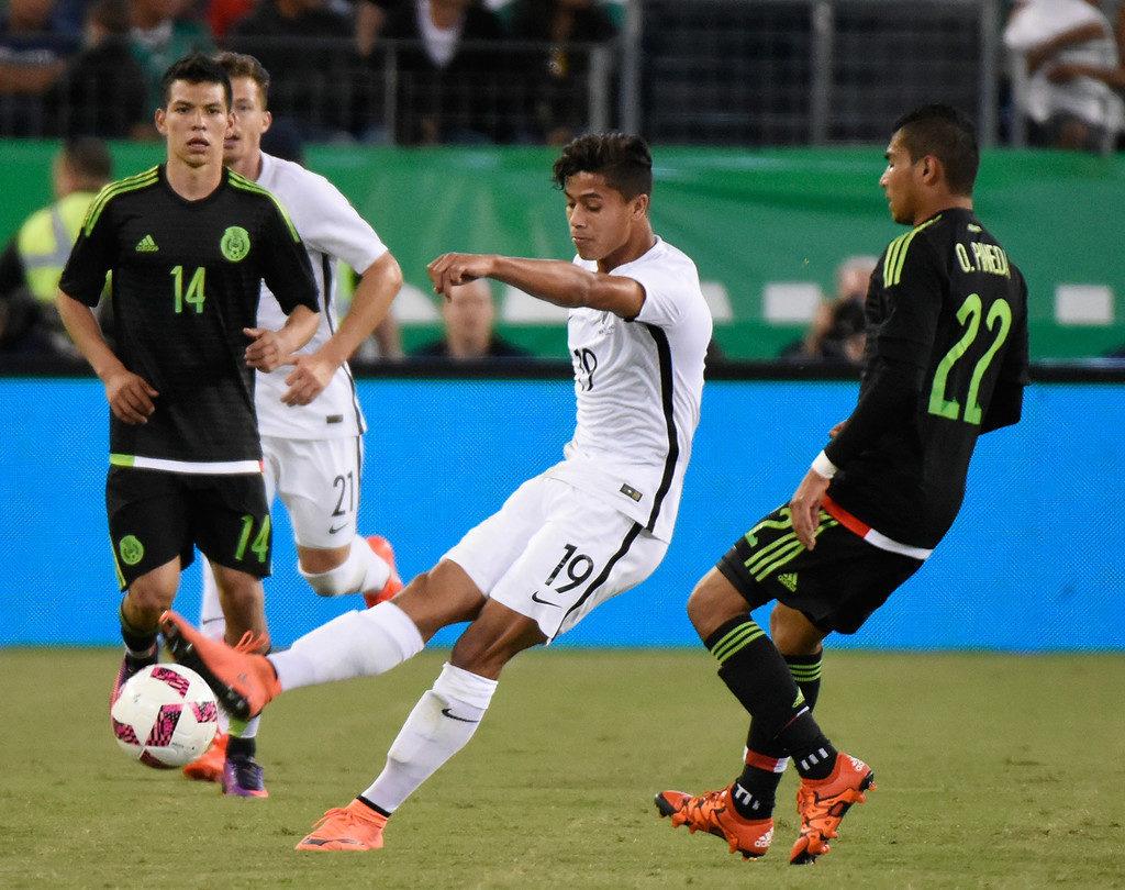 Mexico+v+New+Zealand+B-oNadK55idx