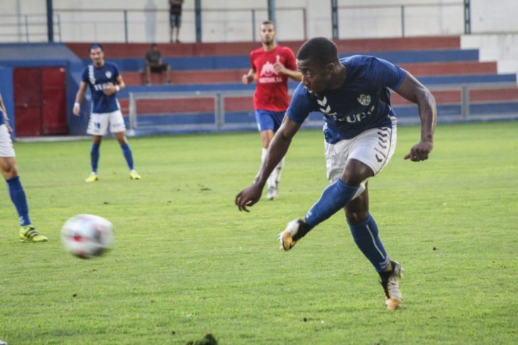 'Zoom' Langwa in action for UD Socuéllamos in Spain.