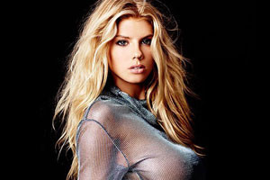 Charlotte McKinney is good for Magazines