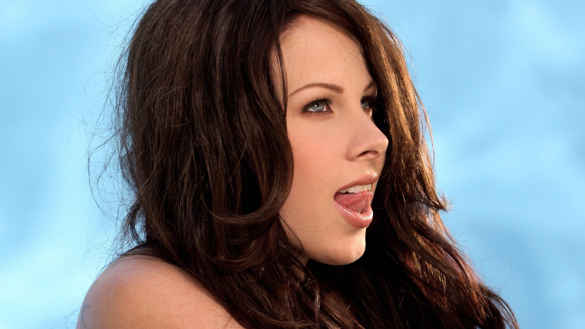 Gianna Michaels Tongue Superficial Gallery