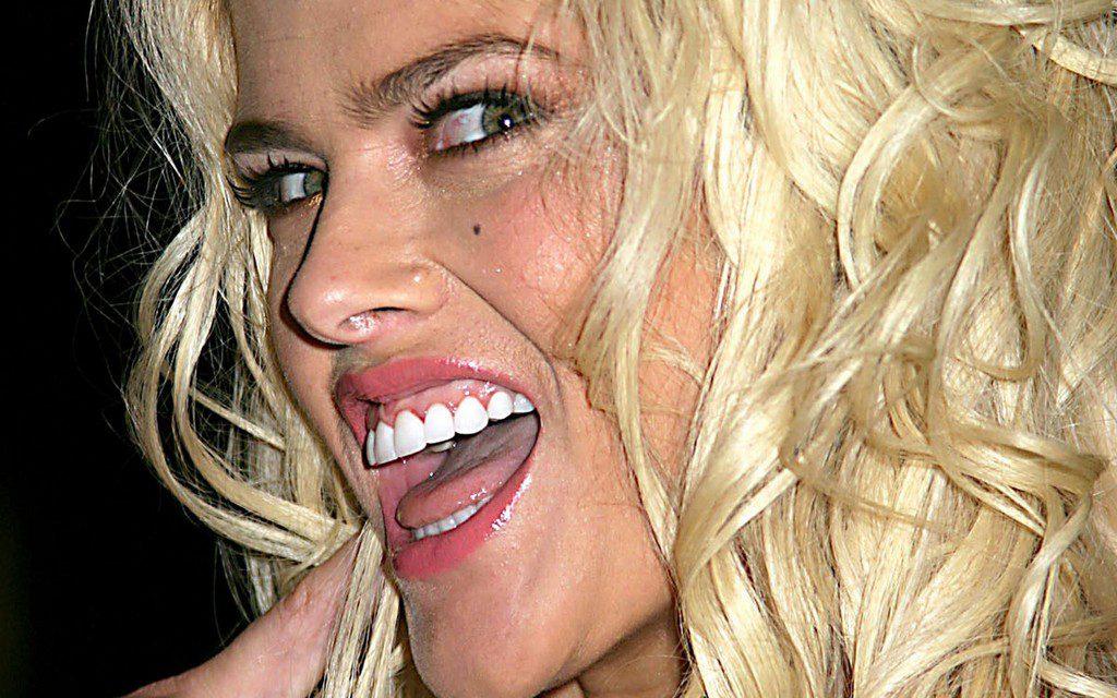 Anna Nicole Smith Tongue