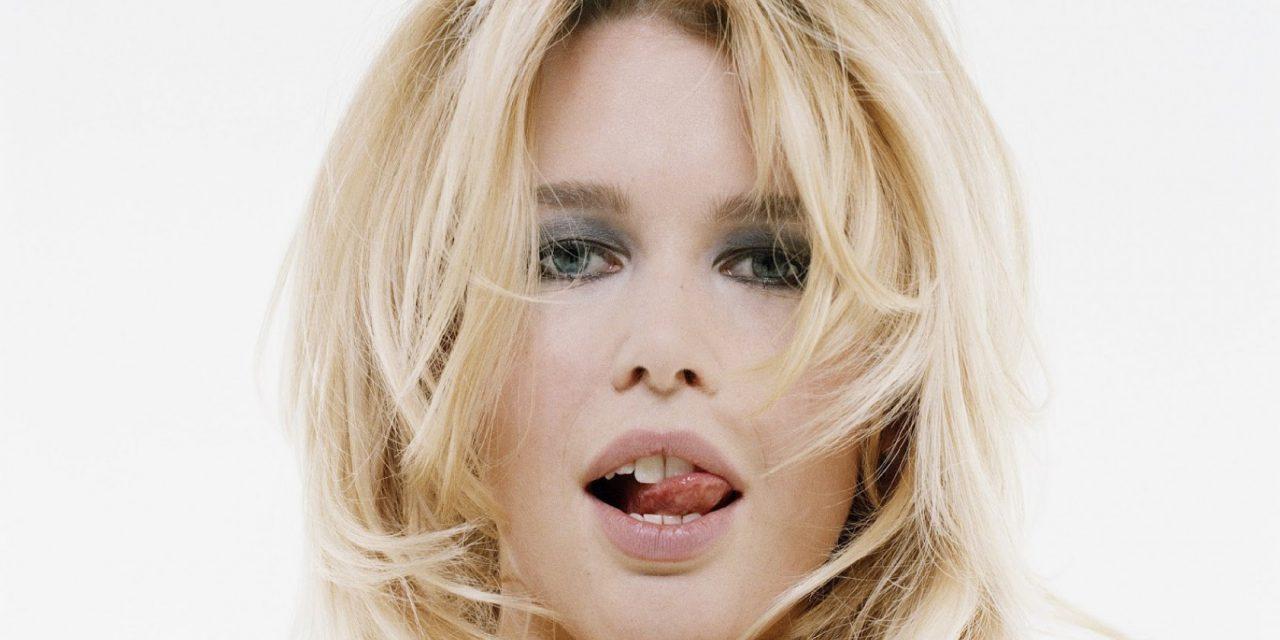 Claudia Schiffer Tongue