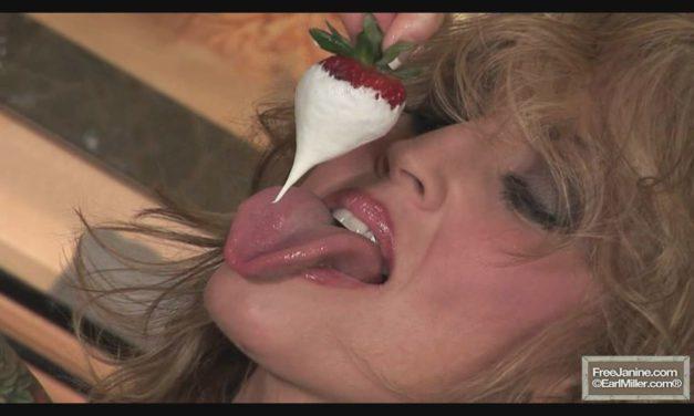 Janine Lindemulder Tongue
