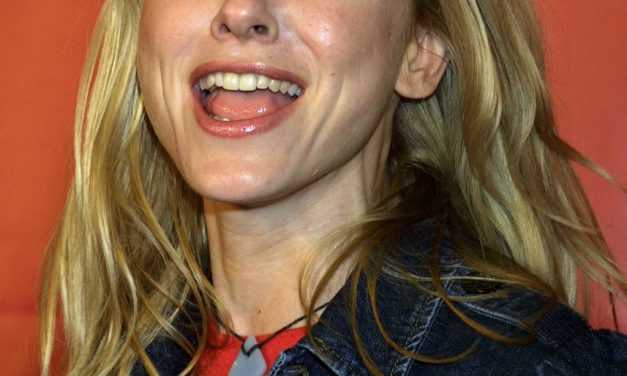 Naomi Watts Tongue