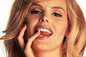 Gena Lee Nolin Tongue