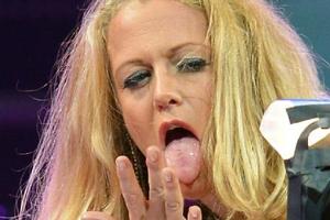Barbara Schoneberger Tongue