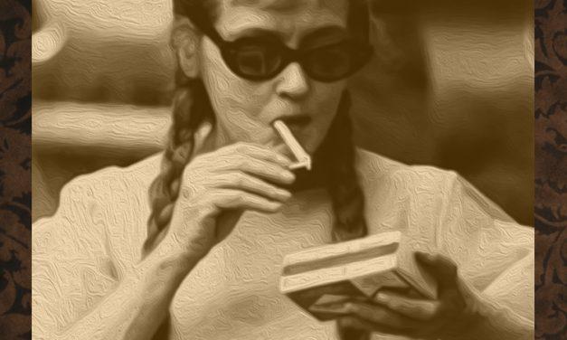 Women in Horror Trading Cards – Bette Davis