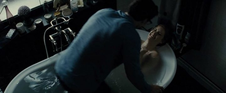 Batman v Superman Movie Review - it stinks like rotten eggs