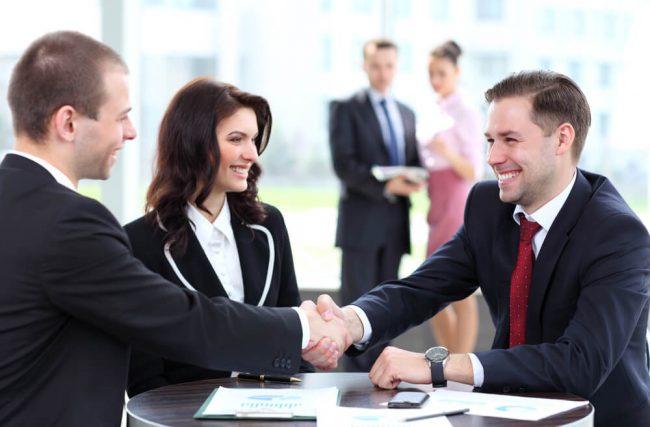 4 fatores para observar ao escolher seu assessor de investimento