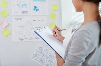 Quais são as diferenças entre ações preferenciais e ordinárias?