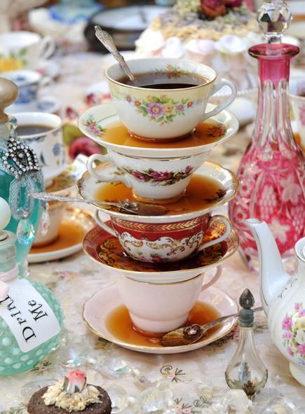upcycle of vintage teacups