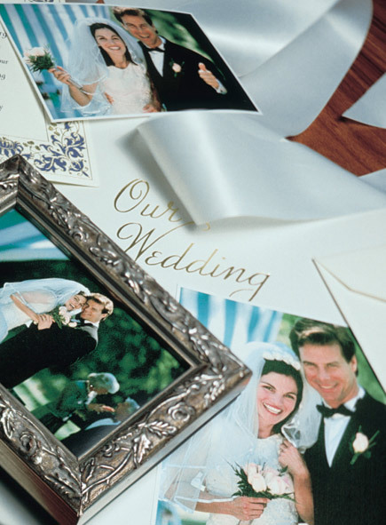 How to make a wedding scrapbook