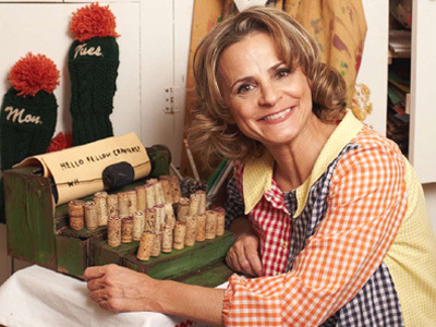 Amy Sedaris poses with upcycled typewriter