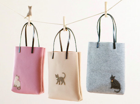 Crafting with Cat Hair tote bags