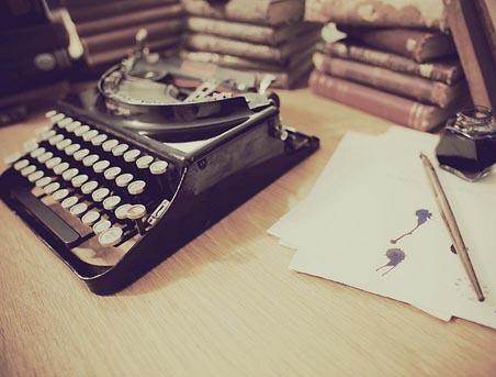 craft bits, Milwaukee Public Museum has over 876 vintage typewriters