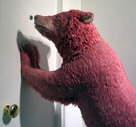 Grizzly bear sculpture made from bubblegum, by Maurizio Savini