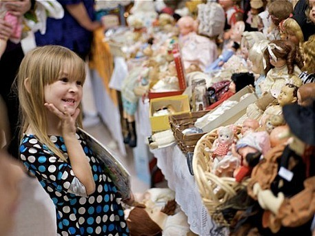 girl at doll craft fair