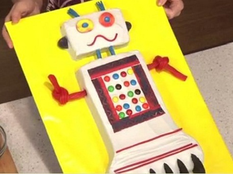 Make a robot cake with Liz Hansen