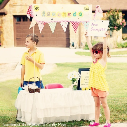 Lemonade stand summer craft to do with kids