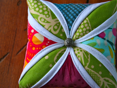 gifts for sewers, cathedral windows pincushion