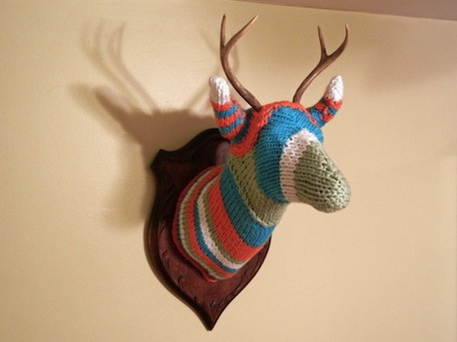 Yarn bombing a deer head