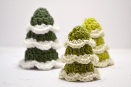 Crochet Christmas Trees, gifts