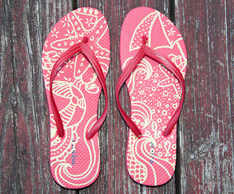 6 Uncommonly Cool Ways to Decorate Your Flip Flops