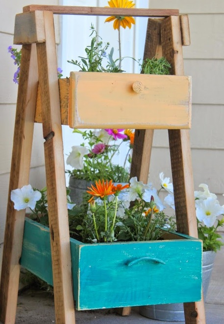 Incredibly clever ways to repurpose dresser drawers craftfoxes - Great ways of repurposing home furniture ...