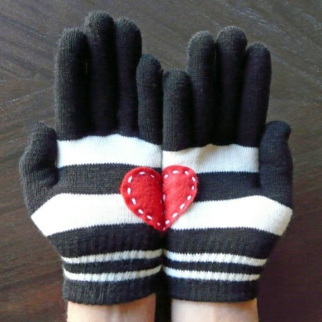 Heart-in-hand Gloves