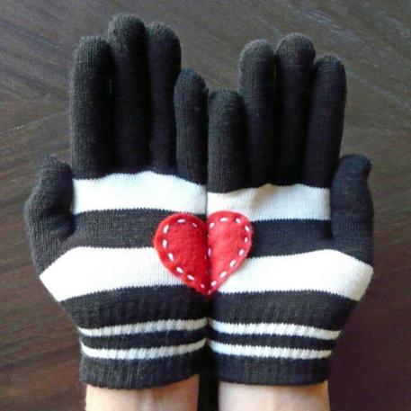 Heart-in-hand Gloves