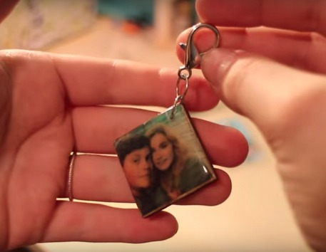 Video to show you how to make a simple DIY key ring