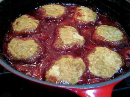 Vegan Strawberry Rhubarb Cobbler