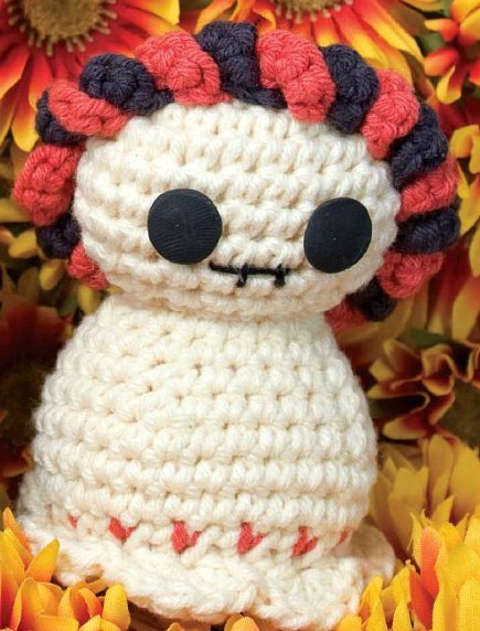Crocheted Day of the Dead Skeleton (Free Amigurumi Pattern)