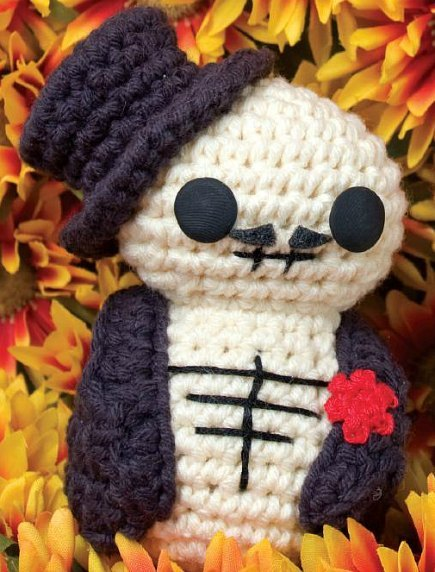 Day of the Dead Fellow (Free Amigurumi Pattern)