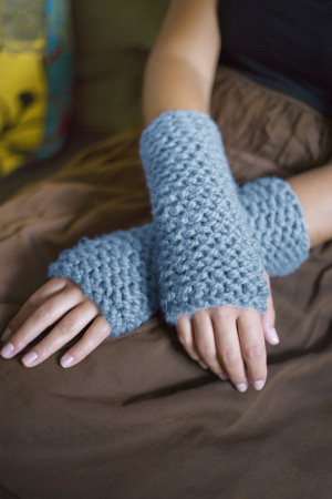 Wool Cuffs with Garter Stitch (Free Pattern)