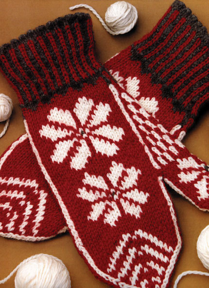 Knitted Nordic Mittens (Free Knitting Pattern)